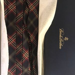 Brooks brothers cummerbund and bow tie set